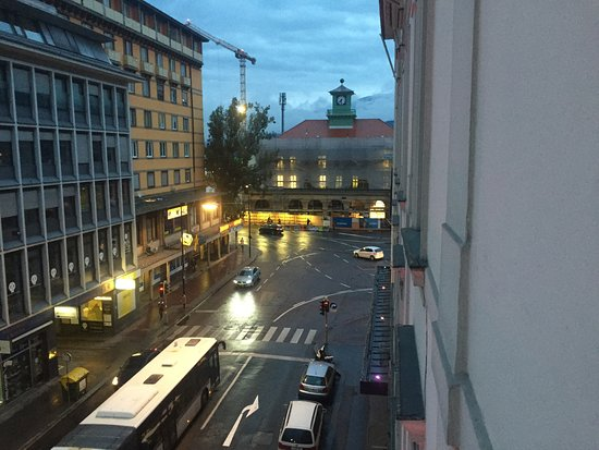 Grand Hotel Europa: Street view out of room 316