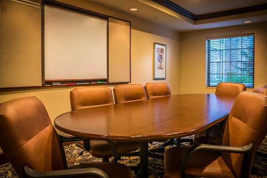 Maumee, OH: Boardroom