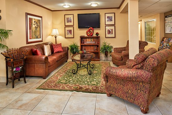 Candlewood Suites Houston Park 10: Hotel Lobby