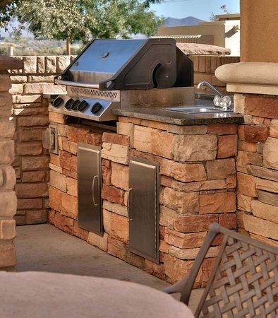 Thatcher, AZ : Outdoor BBQ