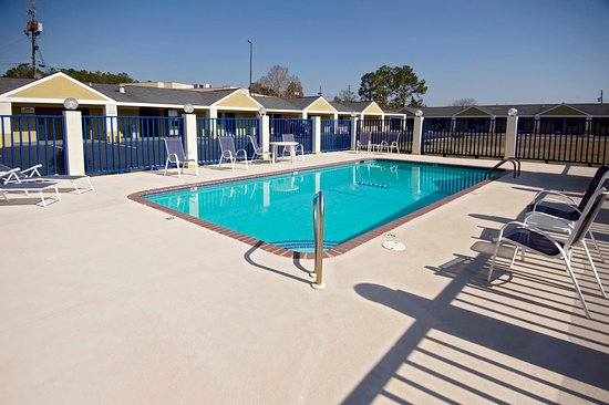 Americas Best Value Inn and Suites- Enterprise: Pool
