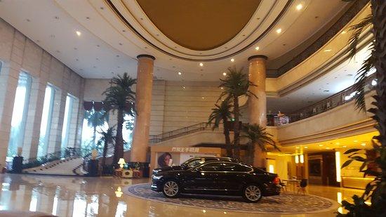 Jiangmen, Chine : IMG_20161015_064407959_large.jpg