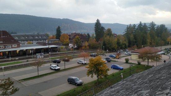 Action Forest Active Hotel: Vista para estação de trem e centrinho
