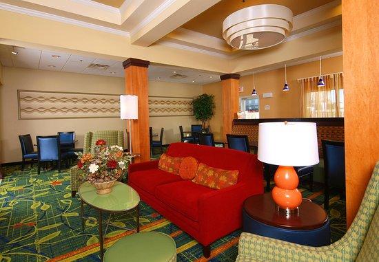 Fairfield Inn & Suites Cookeville: Breakfast Area
