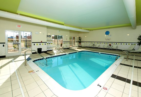 Fairfield Inn & Suites Cookeville: Indoor Pool