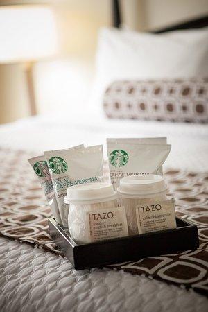 Hickory, Carolina del Norte: Starbuck's Coffee and TAZO teas