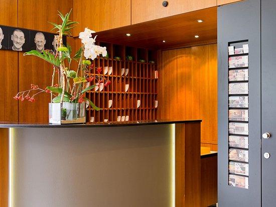 art & business Hotel : Reception