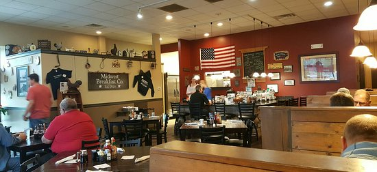 Spring Grove, IL: Seating and Menu