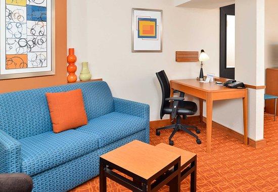 Kingsland, GA: Suite Living Area