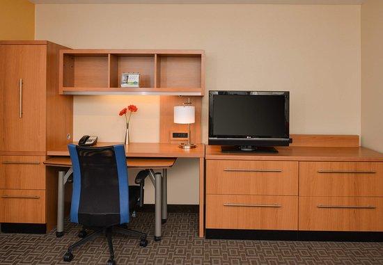 Roseville, CA: One Bedroom Suite Work Area