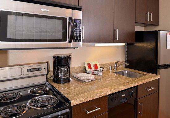 Roseville, CA: One Bedroom Suite Kitchen