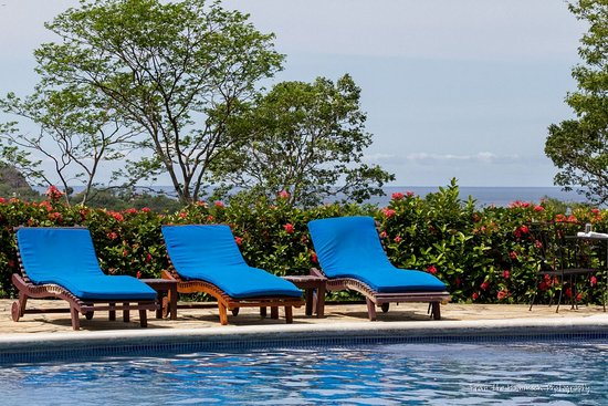 Villas de Palermo Hotel & Resort: Winter is warm, lush and green in Nicaragua