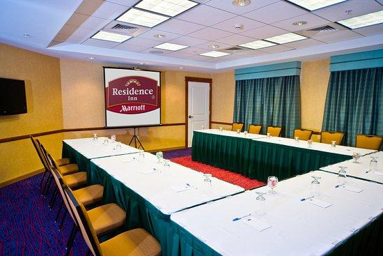 Auburn, Мэн: Meeting Room