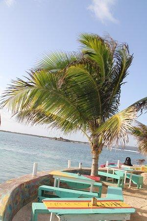 Clifton, Union Island: Happy Island