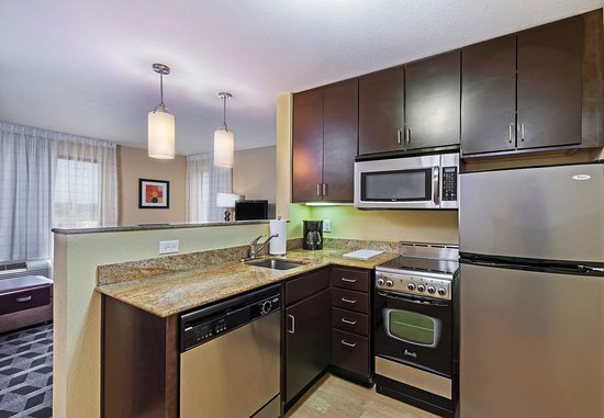 Broken Arrow, OK: Suite Kitchen
