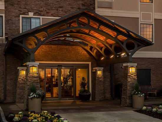 Staybridge Suites Gulf Shores: Our inviting Hotel Entrance