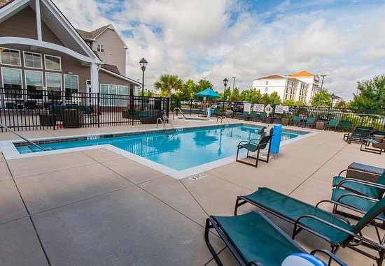 Florence, Carolina del Sur: Outdoor Pool & Whirlpool