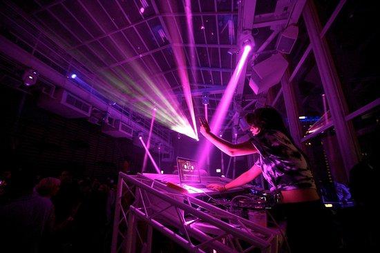 theWit - A DoubleTree by Hilton: Nightclub