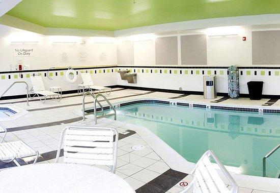 East Peoria, IL: Indoor Pool & Whirlpool