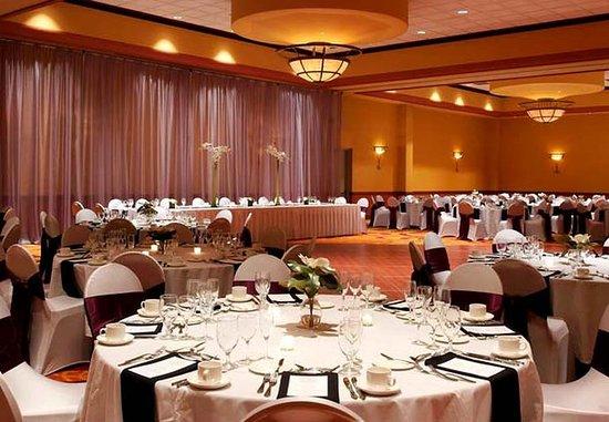 La Vista, Nebraska: Dapper Ballroom