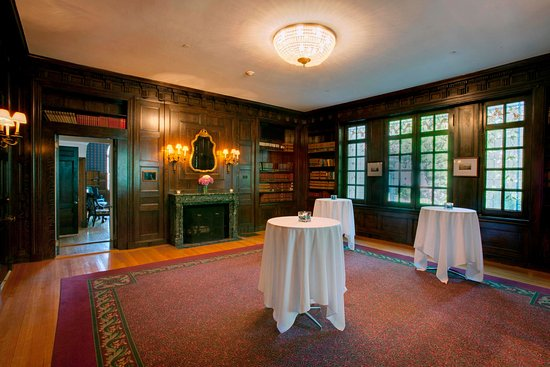 Beverly, MA: Tupper Manor Library