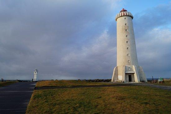 Akranes, IJsland: neuer und alter Leuchtturm