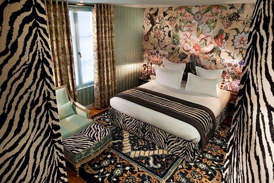 Hotel du Petit Moulin: Deluxe Room