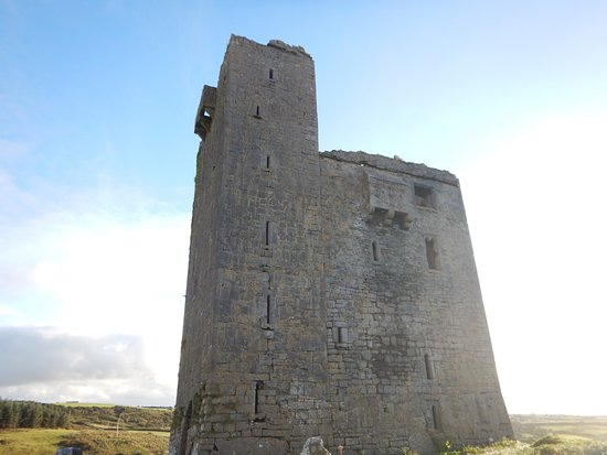 Ballinalacken Castle Country House: You can go all the way to the top on tight winding stairs.