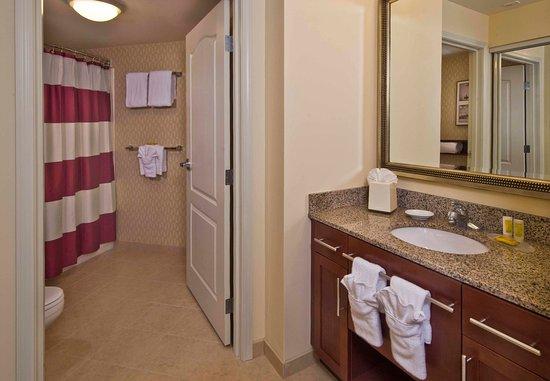 Springfield, VA: Bathroom Vanity