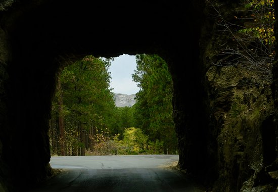 Mount Rushmore National Memorial Exiting a tunnel in Custer State Park with Mt Rushmore straight & Mt Rushmore framed by the Grand View Terrace entrance. - Picture ... azcodes.com