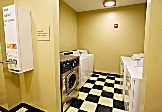 Goodyear, AZ: Guest Laundry Facilities