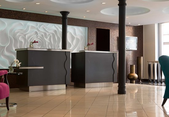 Renaissance Malmo Hotel: Front Desk