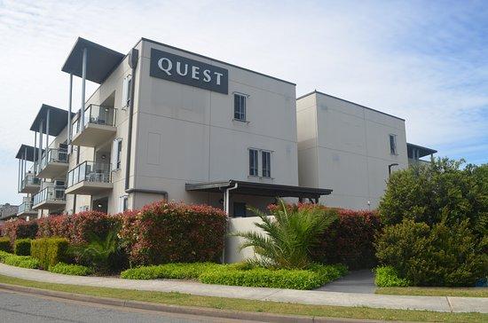 Quest Singleton: Exterior