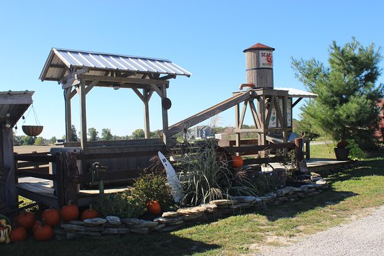 Sunbury, OH: Mining display at entrance to Autumn Lakes grounds