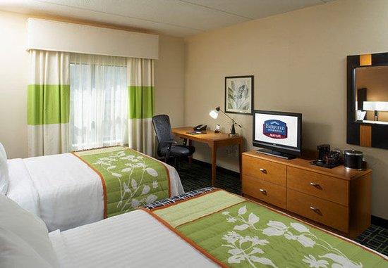 Cumberland, MD: Queen/Queen Guest Room