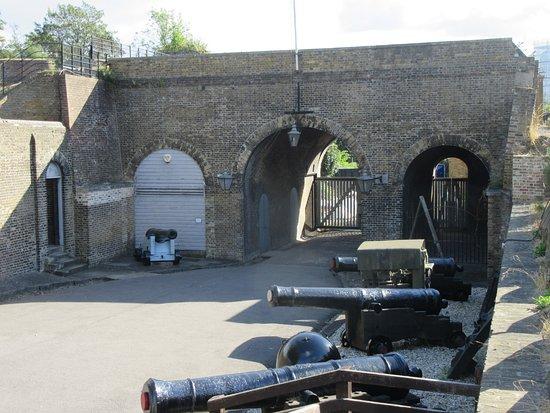 Chatham, UK: Old entrance gate