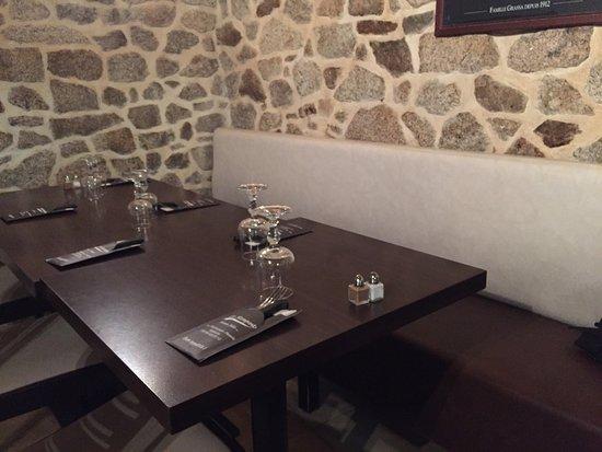 Egletons, France : Bonne présentation pizza excellente