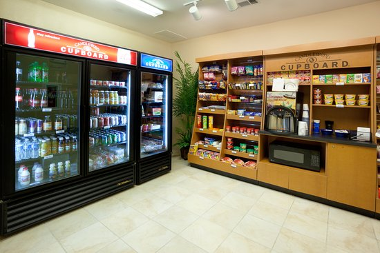 Temple, تكساس: The Cupboard offers a selection of drinks, snacks & meal options.