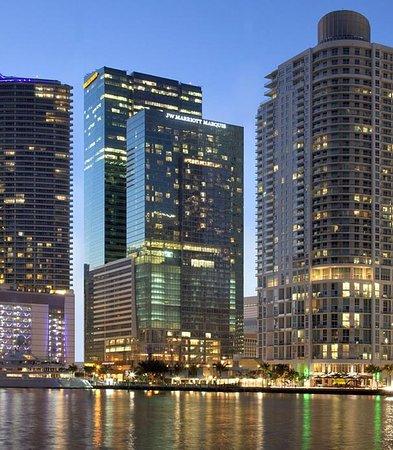 JW Marriott Marquis Miami: Exterior