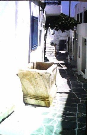 Kastro, Greece: Lungo la via