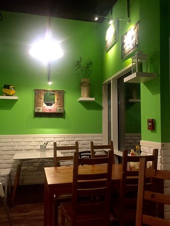 Gambar Teras Di Samping Rumah betawi cafe dubai ulasan restoran tripadvisor