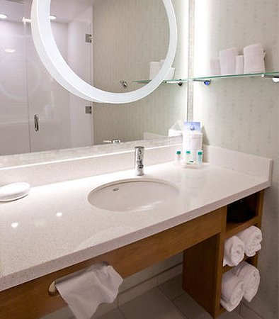 Ewing, Νιού Τζέρσεϊ: Guest Bathroom Vanity