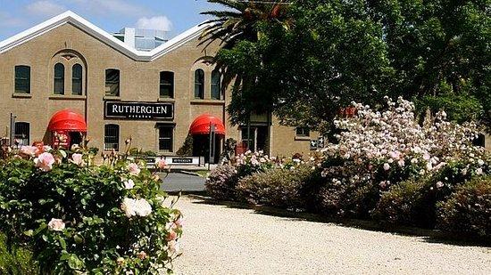 Tuileries & Rutherglen Estates