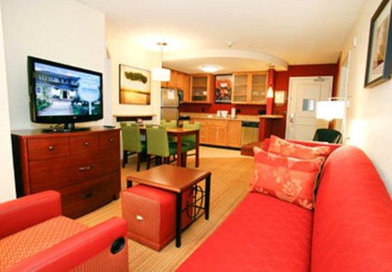 Surprise, AZ: Two-Bedroom Suite Kitchen