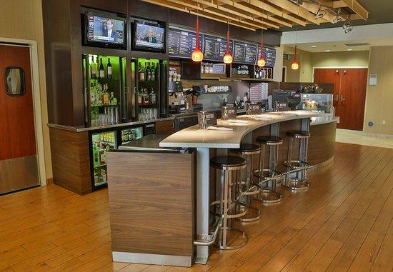 D'Iberville, MS: Bistro Bar