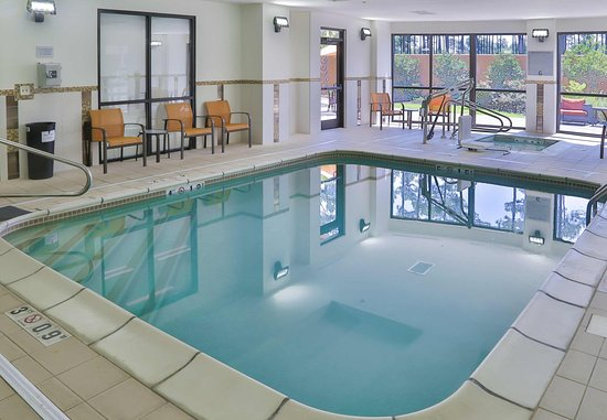 D Iberville, MS: Indoor Pool