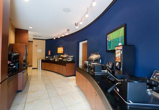 Fairfield Inn & Suites Houston Conroe Near The Woodlands®: Breakfast Area