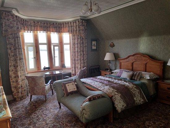 Corriemar Guest House: spacious