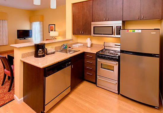 Orem, UT: Two-Bedroom Suite Kitchen