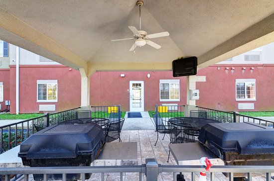 Enterprise, AL: Guest Patio